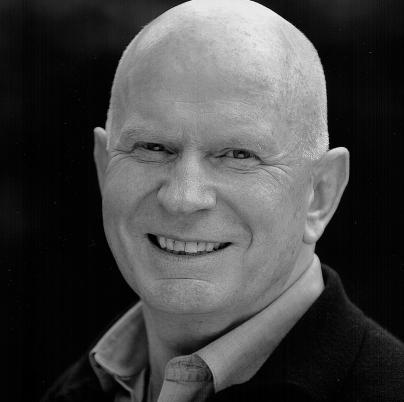 Lutz Mackensy - Synchronsprecher von Christopher Lloyd