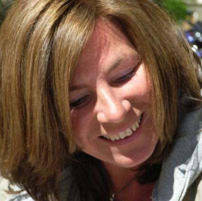 Christine Pappert, die Synchronstimme von Leah Remini
